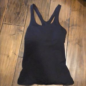 Pre-owned lululemon Black tank, size 4